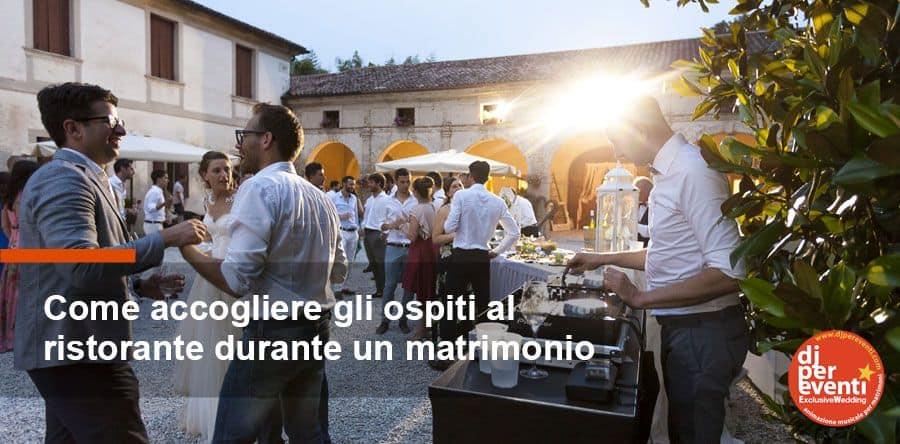 come accogliere gli ospiti al ristorante durante un matrimonio